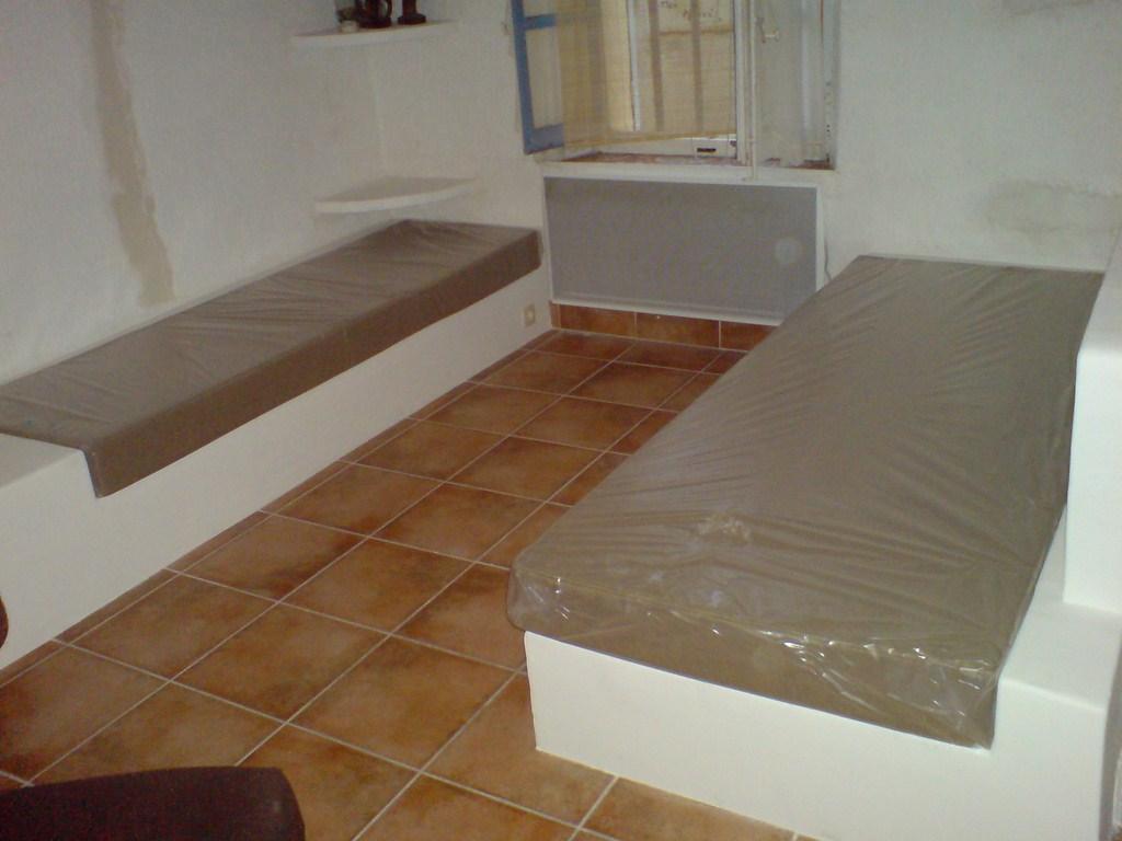 banquette b ti int rieur d coupe mousse d coration. Black Bedroom Furniture Sets. Home Design Ideas