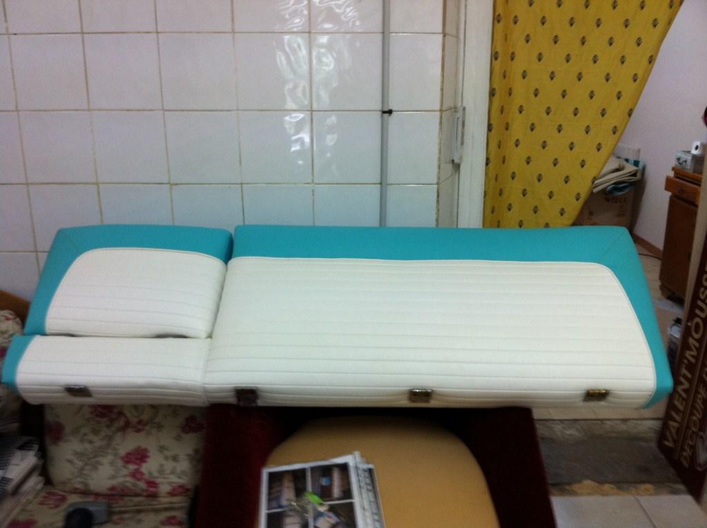 coussin de bateaux interieur exterieur tapissier d 39 ameublement marseille d coupe de. Black Bedroom Furniture Sets. Home Design Ideas