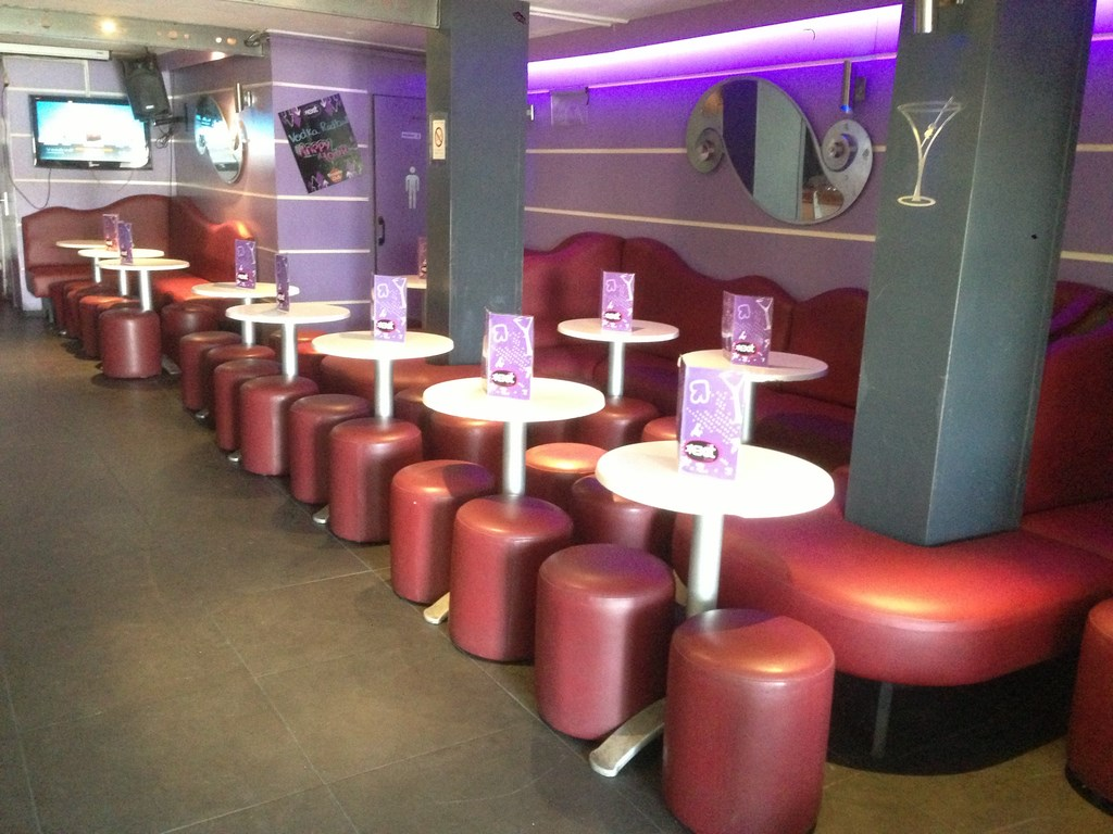 R fection banquettes de bars pubs restaurants - Tapissier d ameublement marseille ...
