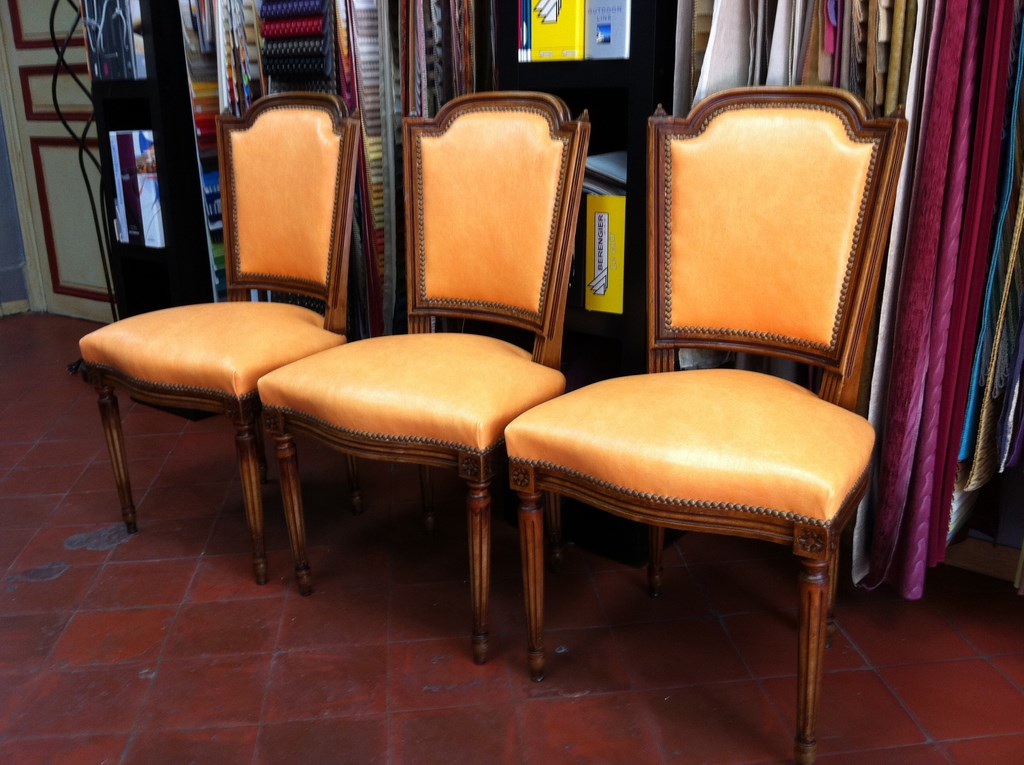 chaises de styles d coupe mousse d coration marseille store sur mesure 13 valent 39 mousse. Black Bedroom Furniture Sets. Home Design Ideas