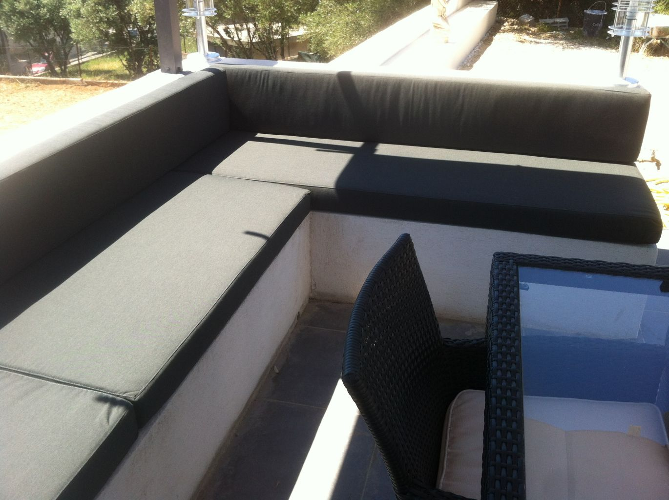 exterieure design banquette. Black Bedroom Furniture Sets. Home Design Ideas