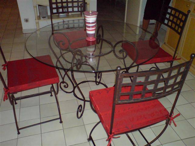 galettes de chaise d coupe mousse d coration marseille store sur mesure 13 valent 39 mousse. Black Bedroom Furniture Sets. Home Design Ideas