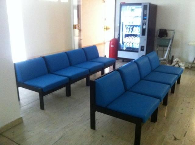 fauteuil salle d 39 attente lieux public tapissier d 39 ameublement marseille d coupe de mousse. Black Bedroom Furniture Sets. Home Design Ideas